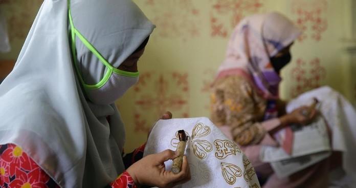 Perayaan Hari Batik Nasional di Tengah Murungnya Para Pembatik yang Terdampak Pandemi